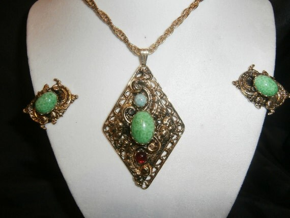 Vintage Peking Glass Pendant and Earring Set Demi Parure