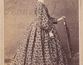 Civil War Era Woman in Wonderful Print Dress Carte de Visite