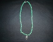 2 toned emeral green chocker