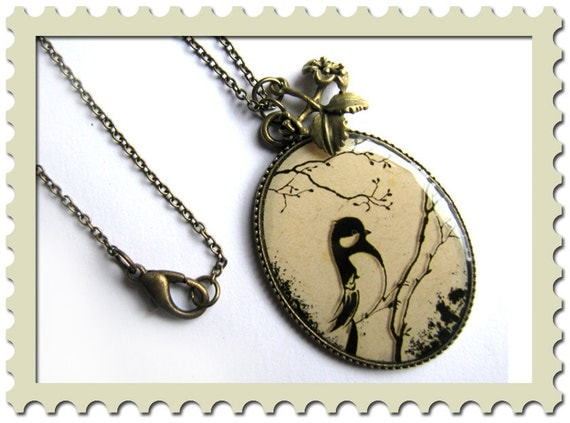 "Necklace, chain : ""The Swallow"""