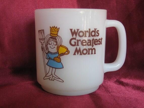 "SALE........Vintage 1978 GLASBAKE ""World's Greatest Mom"" Milk Glass Coffee/Tea Mug"