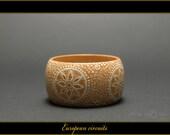 European Circuits - Handpainted Wooden Bracelet - G2BR00021 - on Etsy by MATILDA