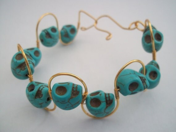 Wirework gold plated bracelet with turquoise skull beads