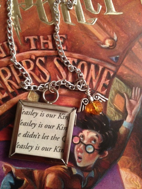 """Harry Potter """"Weasley is Our King"""" Quidditch Necklace"""