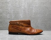 Vtg 70s Tan Tooled Leather Bohemian Hippie Shoes Flats 5