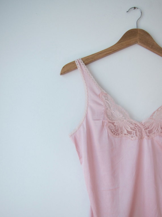 camisole 34 vintage Hand dyed raspberry 1970s lace