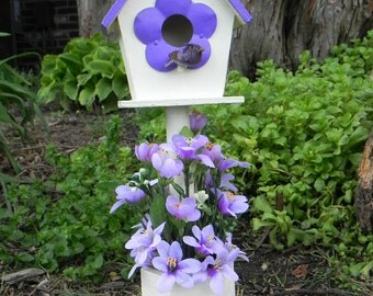 Flower Pedestal Birdhouse