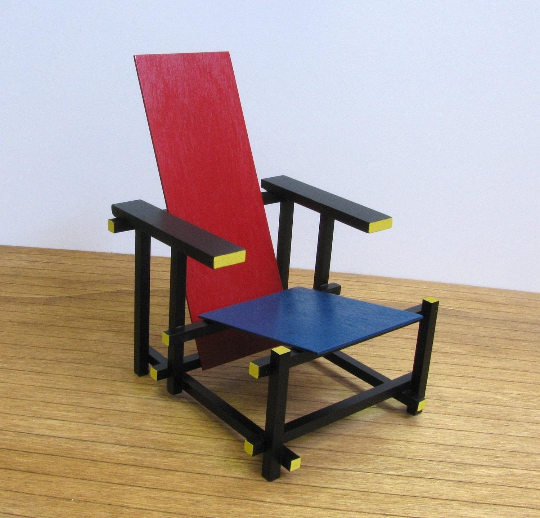 gerrit rietveld rouge bleu chaise r plique l chelle 1 6. Black Bedroom Furniture Sets. Home Design Ideas