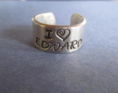 "Twilight Inspired ""I Love Edward"" Ring R43"