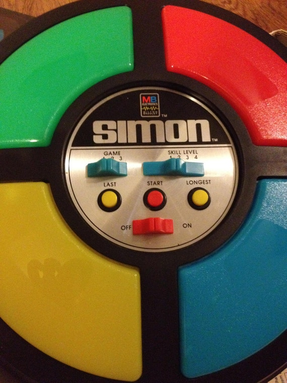 SALE PENDING - 1978 Vintage Electronic SIMON Game, in the original box