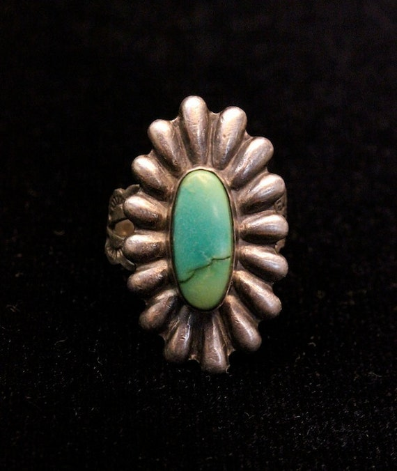 1950s American Indian Sterling Silver and Turquoise Ring with Adjustable Shank - Size 6-7