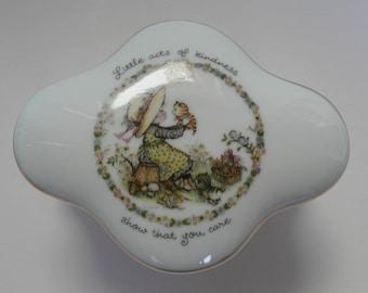 Lovely Japanese Porcelain Trinket Box Anneliese For Delgado