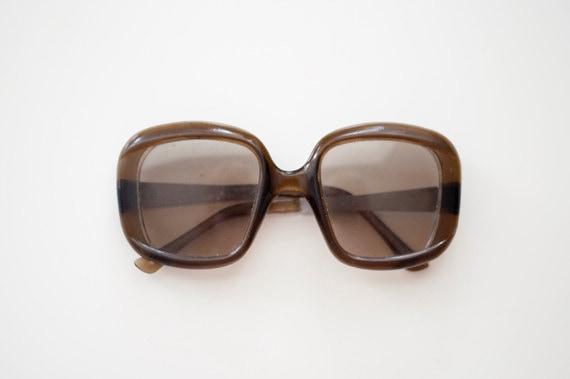 SALE 10% 0FF - Vintage unisex sunglasses