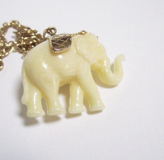 Vintage Ivory Colored Elephant Pendant Necklace
