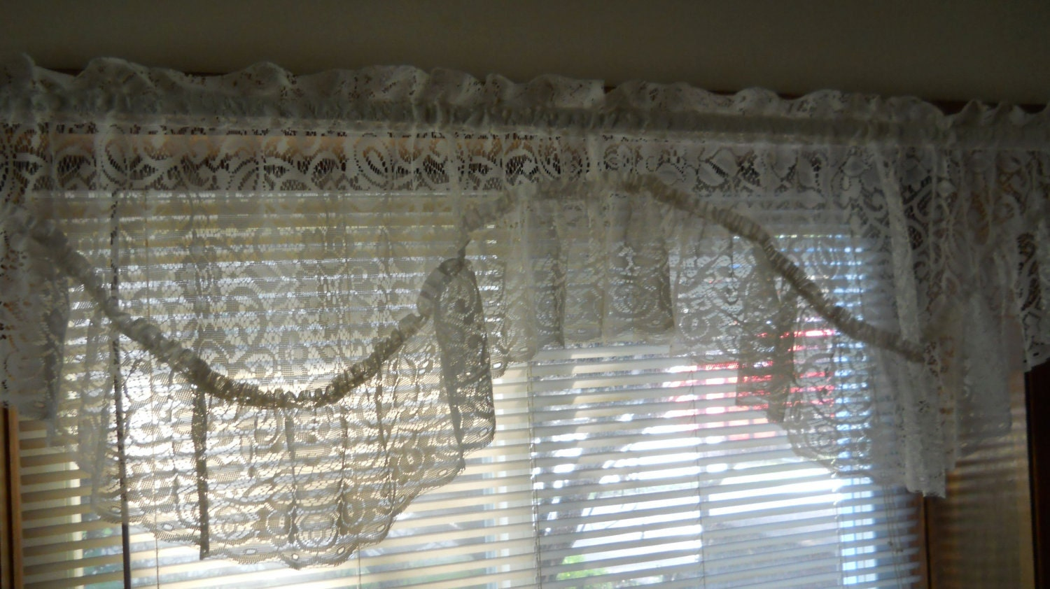 Lace Swag Valance Cream Off White With Ruffles Vintage