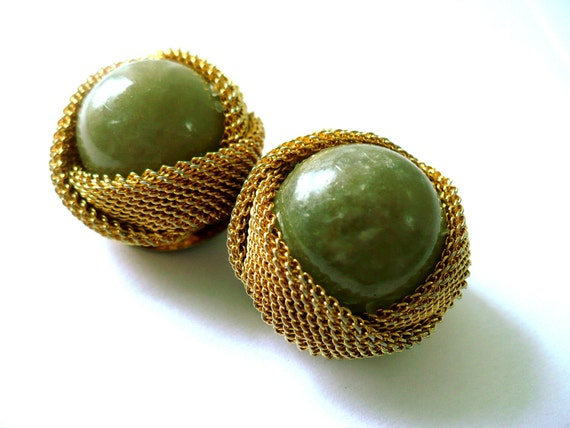 Vintage 80s Clip-on Earrings Green Glass and Copper Gold Mesh