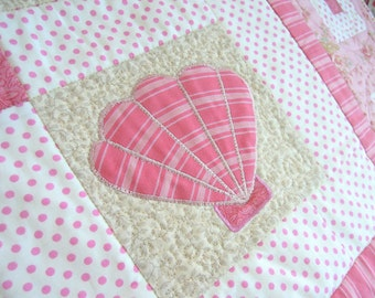 Sea Shell Quilt Pattern: On the Half Shell