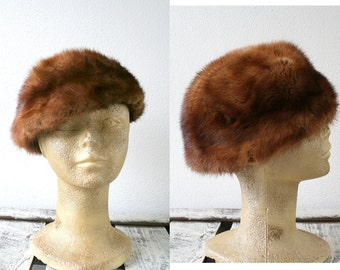 "Fox fur hat in amazing red/brown, vintage fur hat, size 22"" (56cm), womens winter fashion, contemporary fashion"