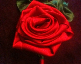 Ribbon Rose boutonniere (Cardinal Red)