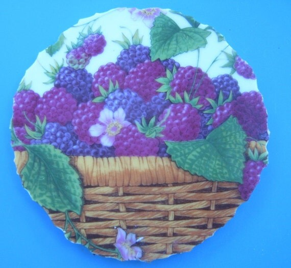 50%  OFF  Broken China Mosaic Focal, Vintage Avon Plate, Hand Cut, Mosaic Supplies, Porcelain Tile