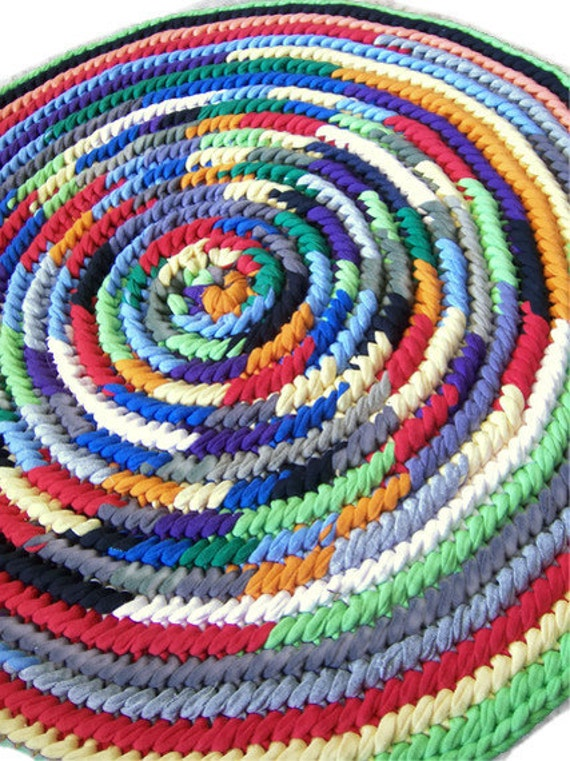 Round Rag Rug Upcycled T Shirt Small Naalbinding Toothbrush