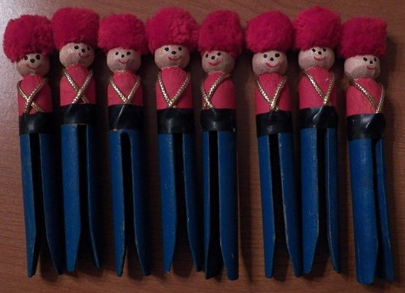 Vintage Set Of 8 Clothespin Toy Soldier Christmas