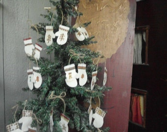 Christmas Mittens Primitive Tree Ornies Mitten Ornaments Country Barn STAR Ornaments Farmhouse Gathering Primitive Christmas decor