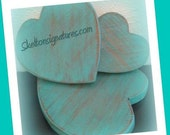 Skelton Signatures Tri-Heart Set Distressed Solid Wood Decorative Table Hearts