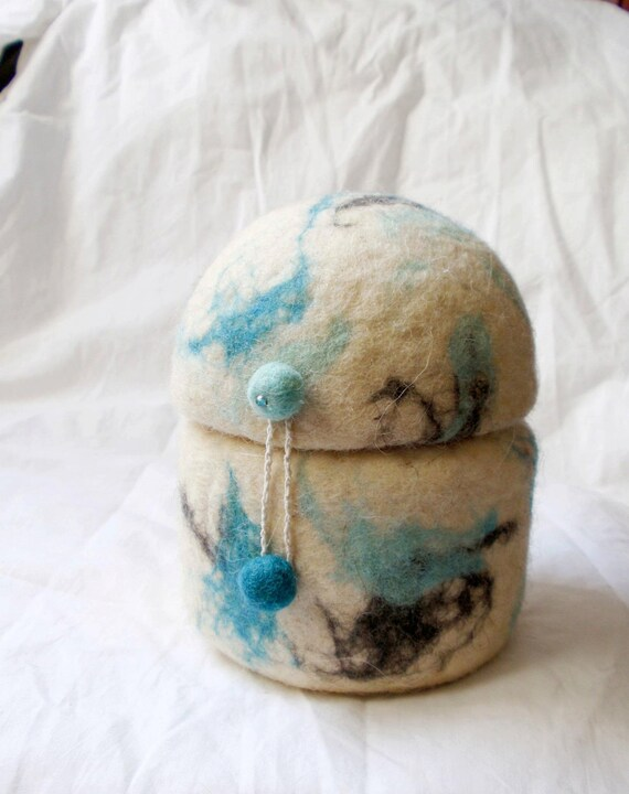 """Wool """"blue marble"""" -  Jewelry Felted Box /Bowl/Container with a lid - fit for keys, accessories, jewelry."""