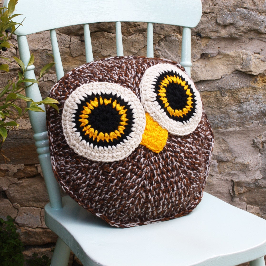 Hooty owl pillow cushion cover pdf email crochet pattern zoom bankloansurffo Choice Image