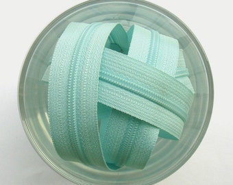 Pale Sea Green Zippers - YKK Brand - 25 Pieces - 12 inch