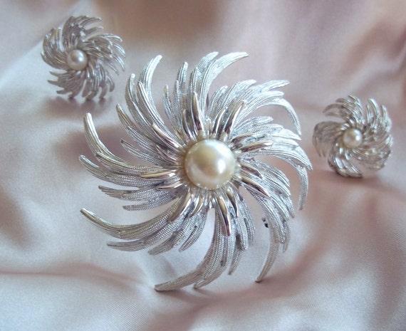 Vintage Sarah Conventry Silver Pinwheel Set