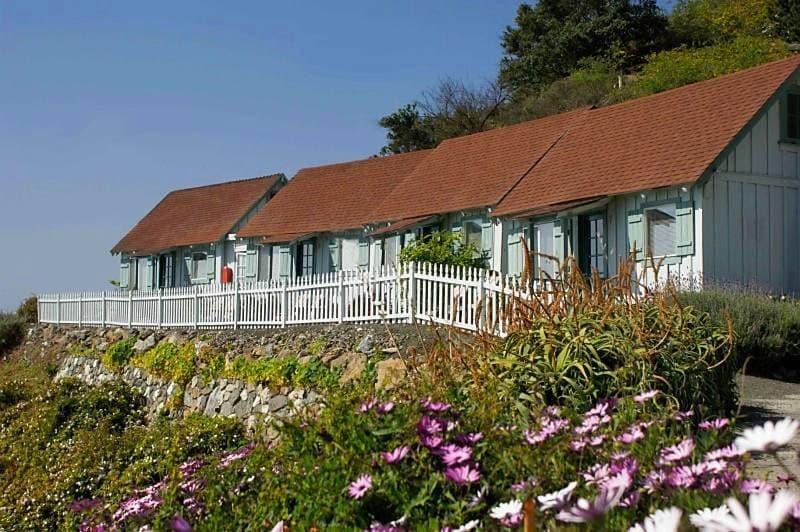 Lucia lodge cabins big sur california photo by for Big sur cabin e campeggi