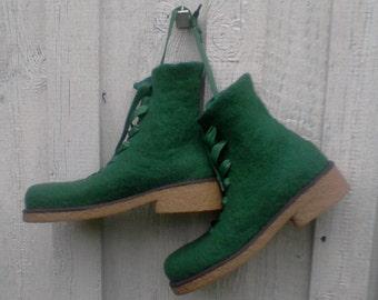 Felted boots GRASS-GREEN