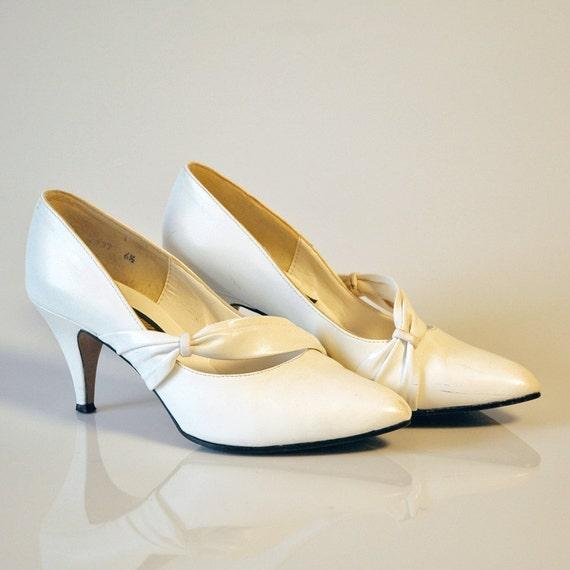 Vintage 1980s White High Heeled Shoes Pumps Wedding Grad Women's