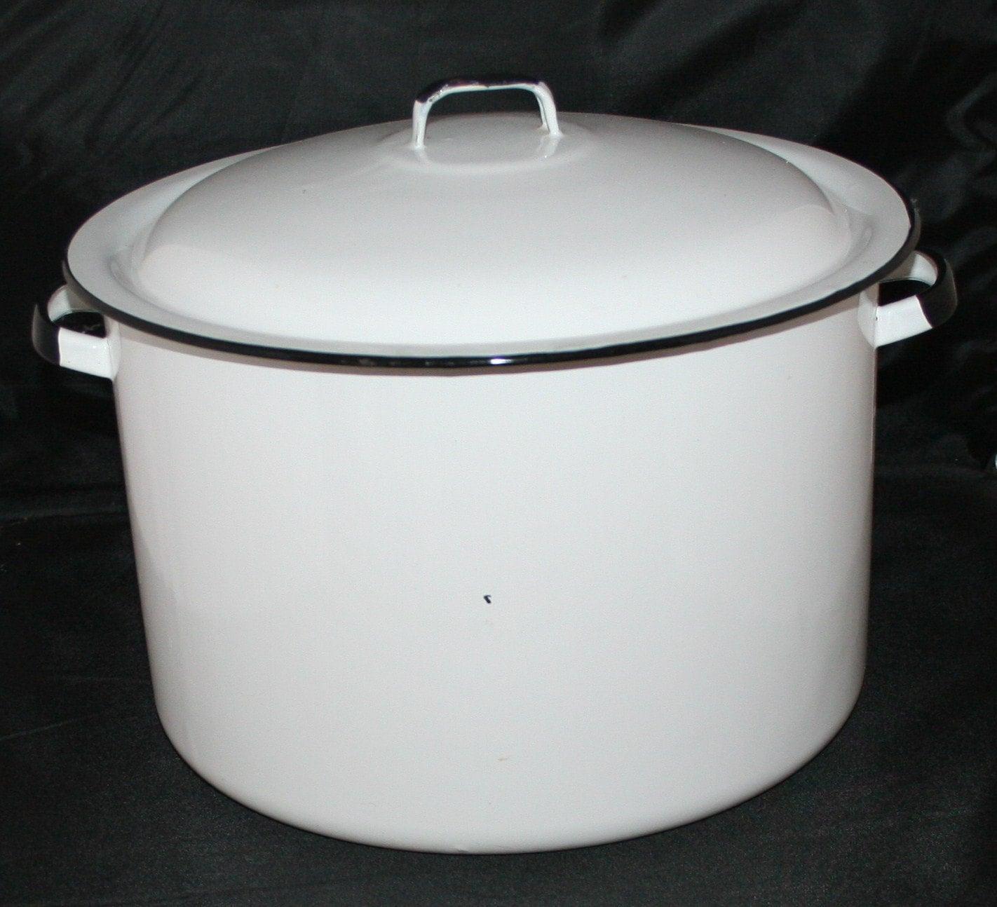 Vintage Enamel Pot 113