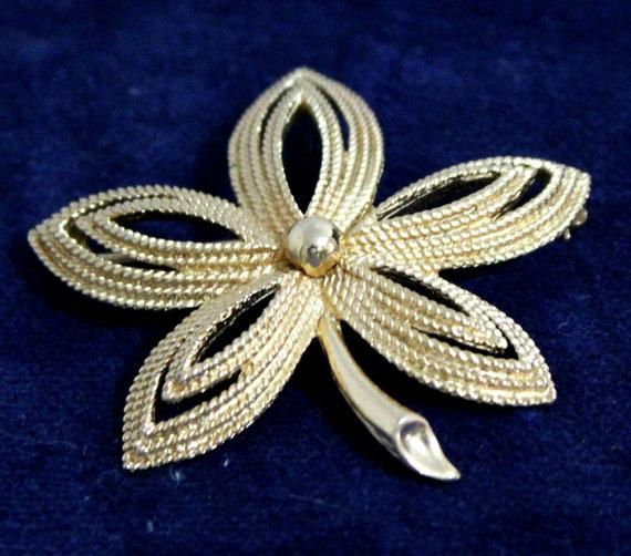 Vintage Trifari Flower Brooch