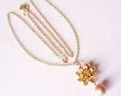 gold pearl necklace - lotus flower pearl necklace - dainty necklace - delicate necklace - kette - gold flower necklace