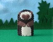 Hedgehog Finger Puppet - Woodland Animal Puppet - Felt Animal Finger Puppet Hedgehog
