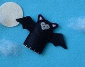 Little Bat Finger Puppet - Black Bat Puppet - Felt Animal Puppet - Halloween Finger Puppet Bat