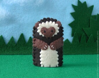 Hedgehog Finger Puppet - Woodland Animal Puppet - Felt Animal Finger Puppet Hedgehog