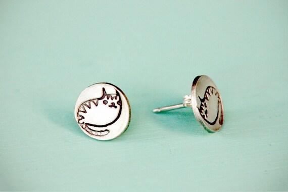 CAT EARRINGS cat stud earrings, silver cat earrings - sterling silver cat stud earrings, tiny stud earrings - tiny cat stud earrings