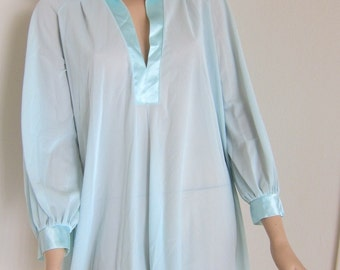70s Claire Sandra Lucie Ann Vintage Nightshirt - Nightie Nightgown - Lingerie Night Shirt Gown - Pale Aqua Blue - Satin Trim - Petite