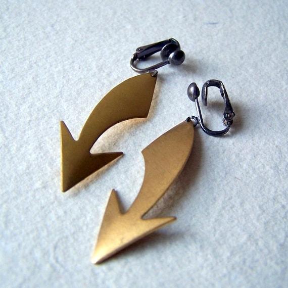 Curved Arrow Clip On Earrings - Clip On Earrings - brass arrow earrings - gold arrow earrings - arrow earrings - arrow jewelry - boho chic