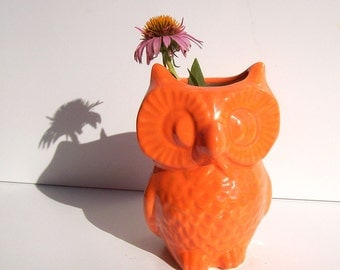 Ceramic Owl Vase, Vintage Design, Orange Office Gift, Owl Pencil Holder, Pottery Owl Vase, Orange Owl Decor, Owl Vessel, Orange Office Gift,