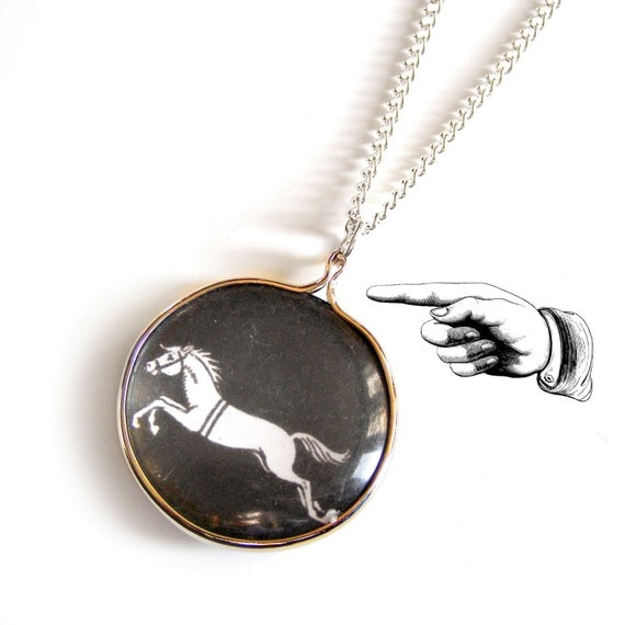 Thaumatrope illusion NECKLACE ...The Circus Acrobat and the Horse ... round version
