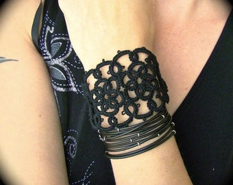 Tatted Lace Cuff Bracelet - Double Flower