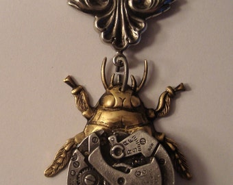 Victorian Steampunk Necklace MECHANICAL COCKROACH Surreal Watch Clock Part Necklace New