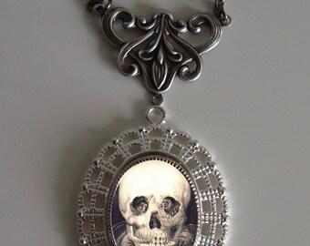 Beautiful Victorian SKULL COUPLE ILLUSION Victorian Silver-Tone Filigree Necklace Pendant