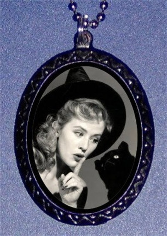 Vintage Halloween Witch Black cat Pendant Necklace Sweetheartsinner